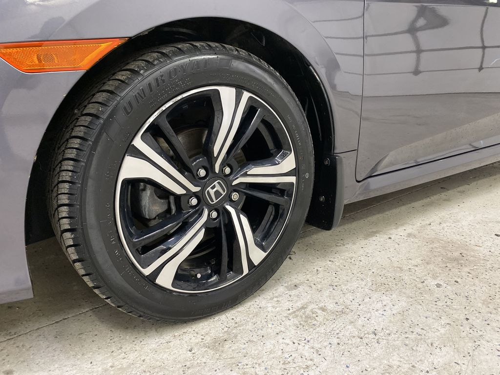 Gray[Modern Steel Metallic] 2016 Honda Civic Sedan Left Front Rim and Tire Photo in Dartmouth NS