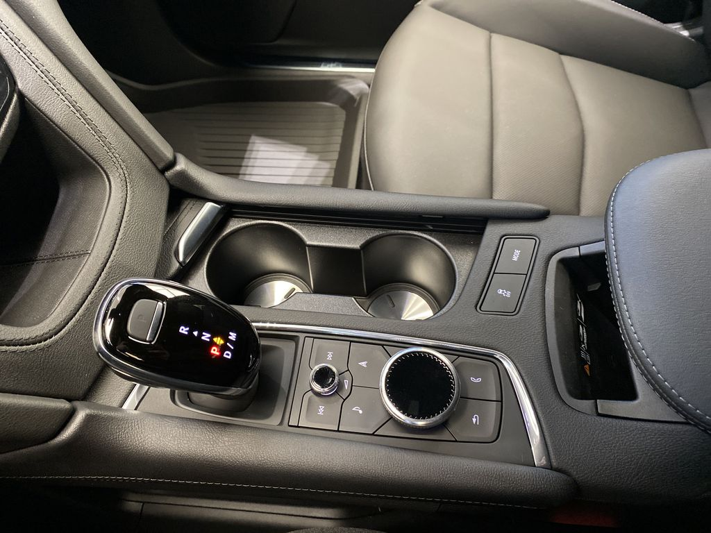 White[Crystal White Tricoat] 2021 Cadillac XT5 Center Console Photo in Edmonton AB