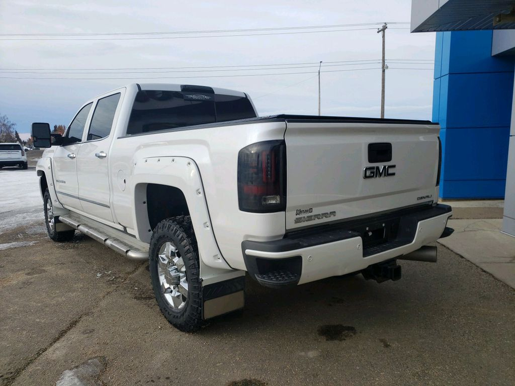 White 2018 GMC Sierra 3500HD Sunroof Photo in Westlock AB