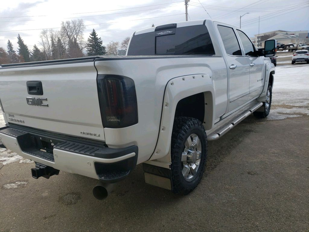 White 2018 GMC Sierra 3500HD Driver's Side Door Controls Photo in Westlock AB