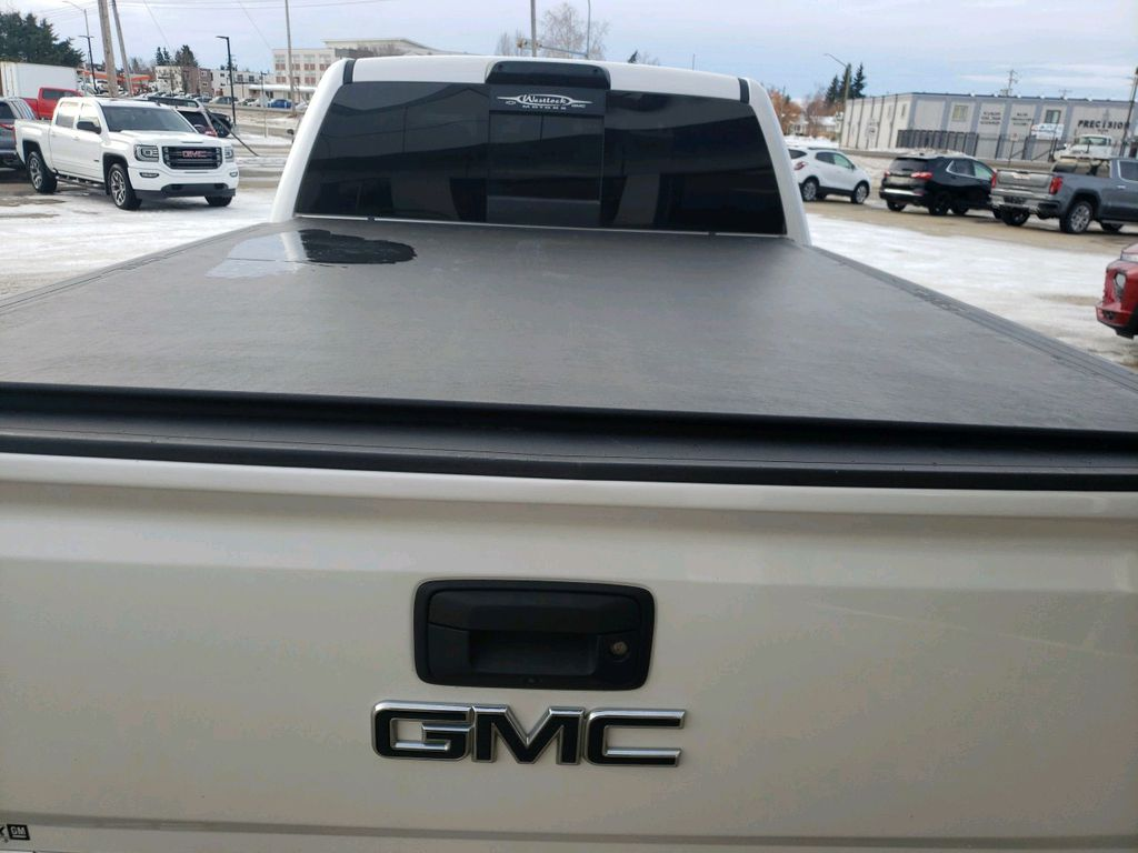 White 2018 GMC Sierra 3500HD Engine Compartment Photo in Westlock AB