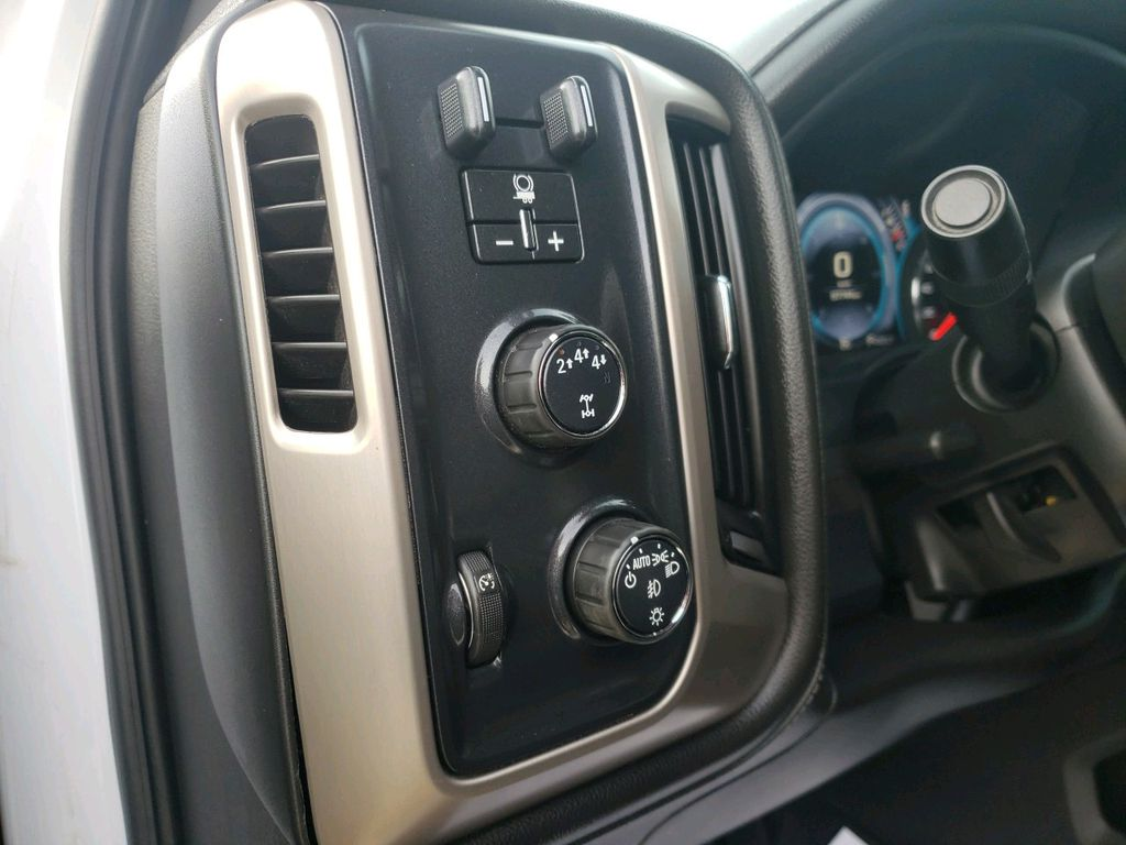 White 2018 GMC Sierra 3500HD Left Rear Corner Photo in Westlock AB