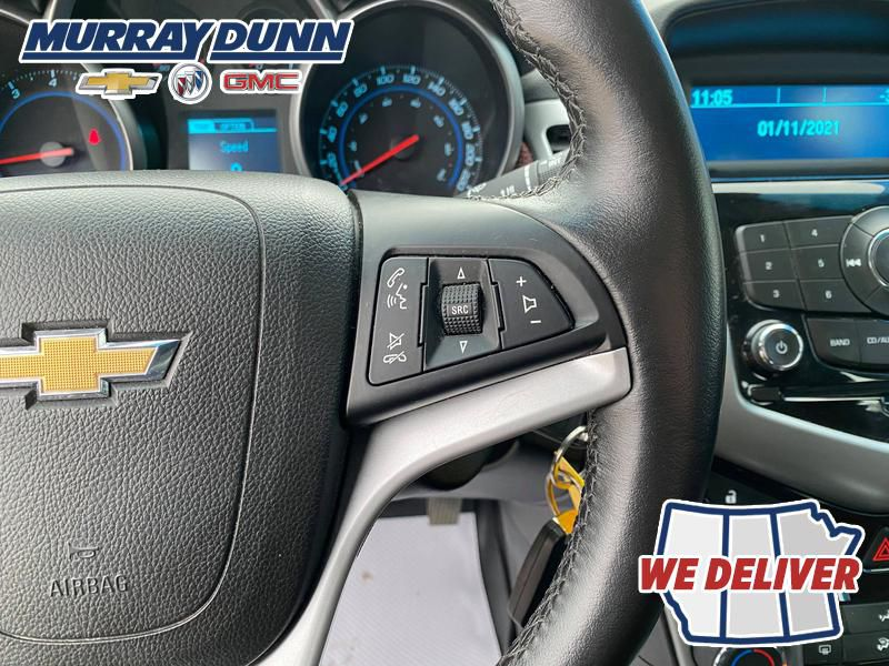 Silver 2014 Chevrolet Cruze Additional Photo 4 in Nipawin SK
