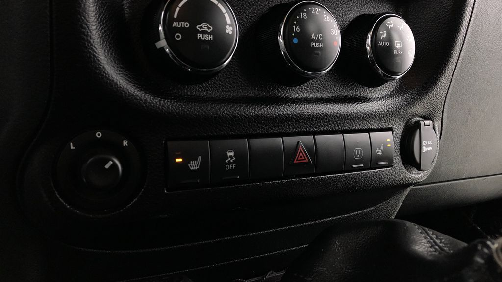 Black[Black] 2016 Jeep Wrangler Unlimited Back Country - Manual, Leather, NAV Additional Photo 2 in Winnipeg MB