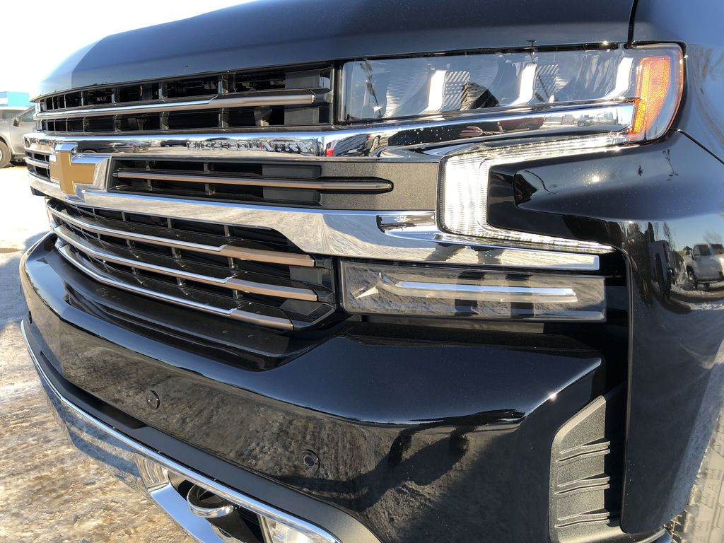 Black[Black] 2021 Chevrolet Silverado 1500 Left Front Head Light / Bumper and Grill in Edmonton AB