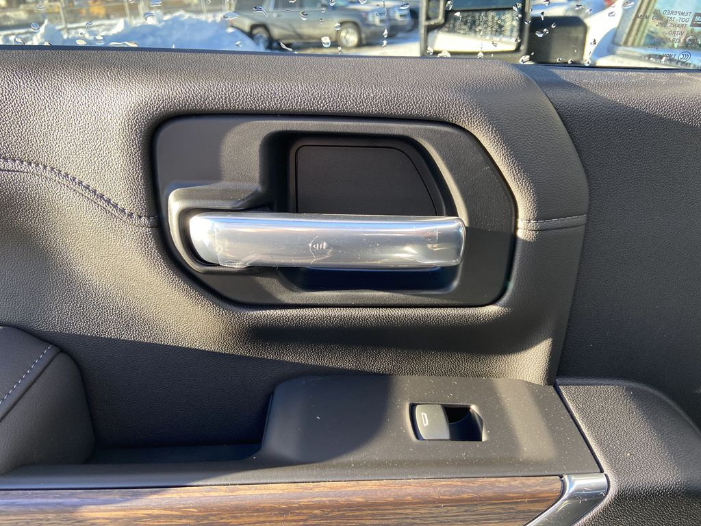 White[Iridescent Pearl Tricoat] 2021 Chevrolet Silverado 3500HD High Country LR Door Panel Ctls Photo in Calgary AB