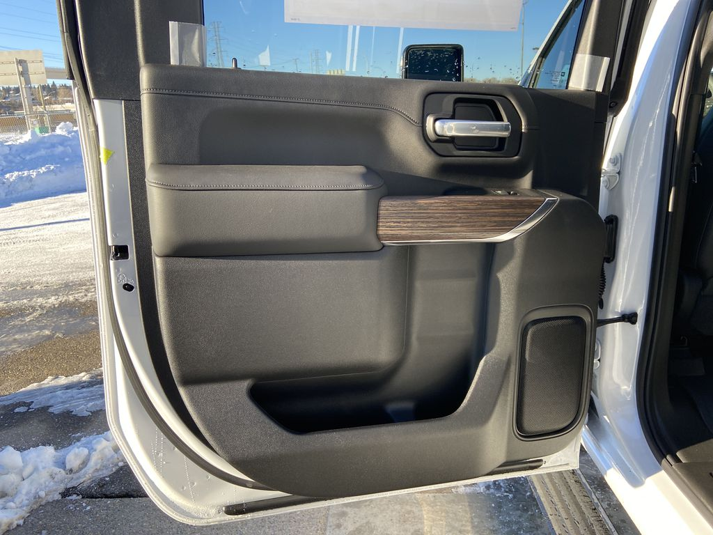 White[Iridescent Pearl Tricoat] 2021 Chevrolet Silverado 3500HD High Country Left Rear Interior Door Panel Photo in Calgary AB