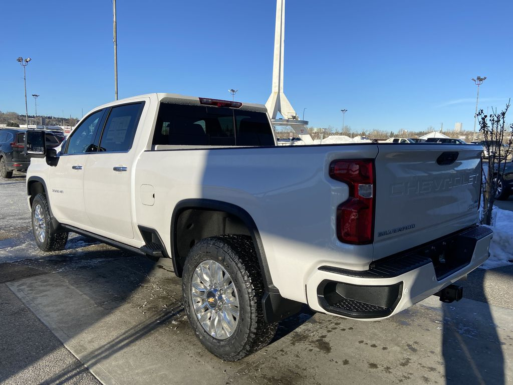 White[Iridescent Pearl Tricoat] 2021 Chevrolet Silverado 3500HD High Country Left Rear Corner Photo in Calgary AB