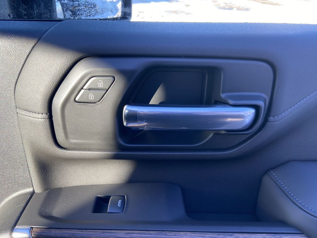 White[Iridescent Pearl Tricoat] 2021 Chevrolet Silverado 3500HD High Country Passenger Front Door Controls Photo in Calgary AB