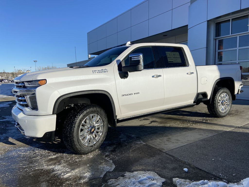 White[Iridescent Pearl Tricoat] 2021 Chevrolet Silverado 3500HD High Country Left Front Corner Photo in Calgary AB