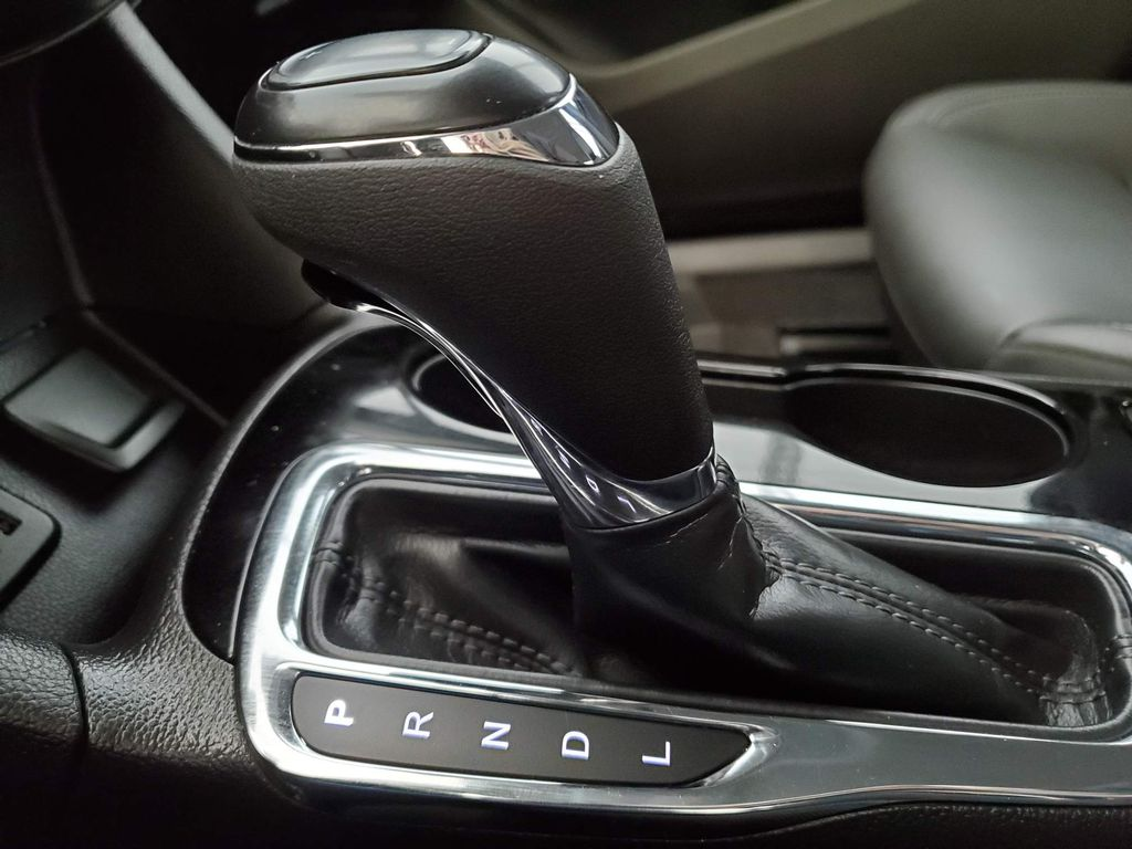 2019 Chevrolet Cruze Odometer Photo in Airdrie AB