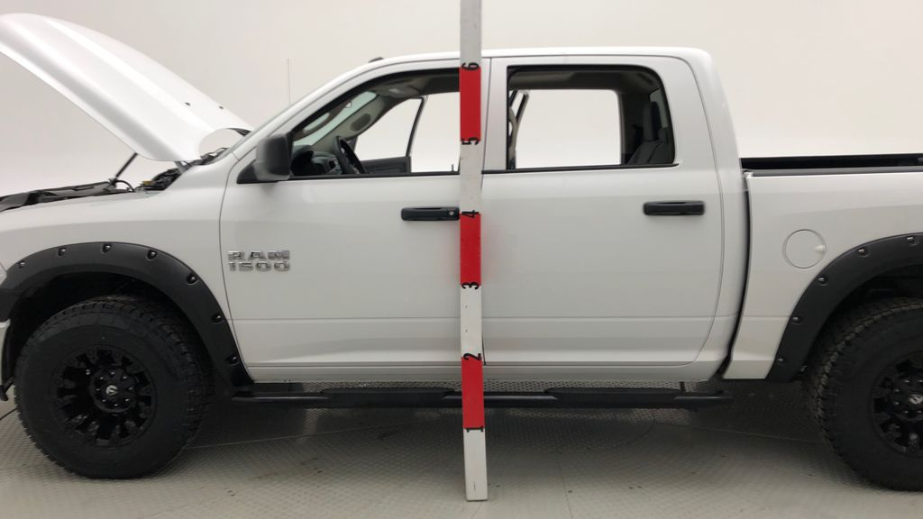 White[Bright White] Lifted 2017 Ram 1500 SXT 4WD - HEMI, Crew Cab, Fuel Rims / Nitto Tires Additional Photo 2 in Winnipeg MB