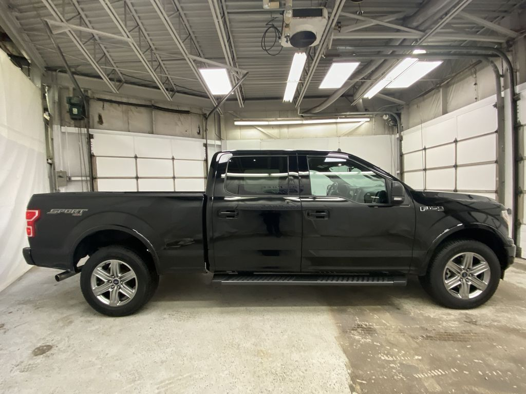 Black[Shadow Black] 2018 Ford F-150 Right Side Photo in Dartmouth NS