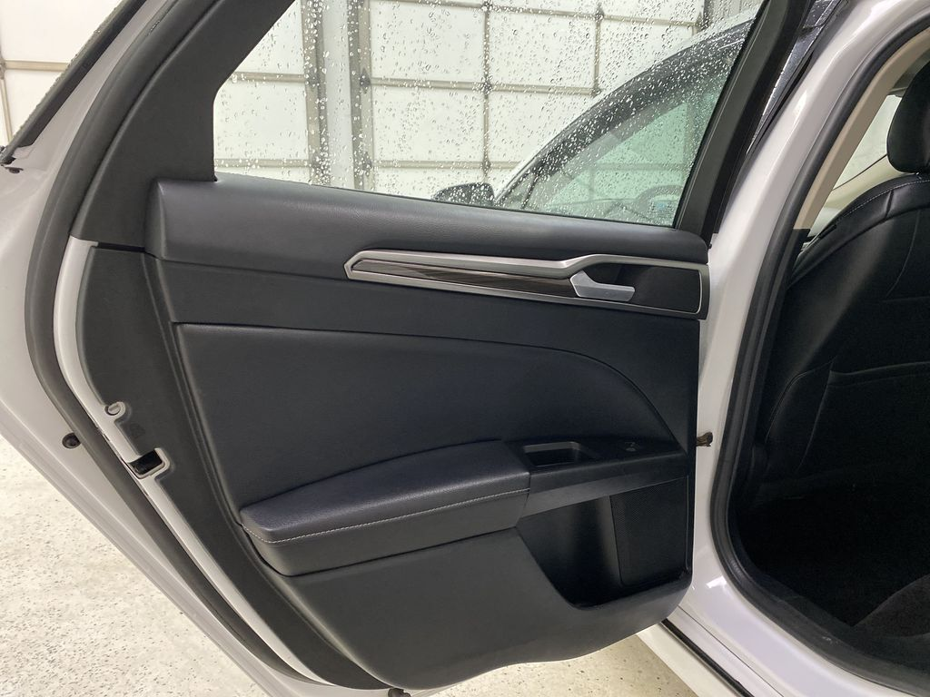 White[Oxford White] 2017 Ford Fusion Left Rear Interior Door Panel Photo in Dartmouth NS