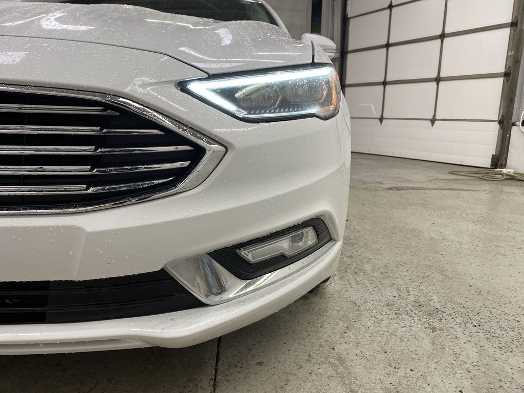 White[Oxford White] 2017 Ford Fusion Left Front Head Light / Bumper and Grill in Dartmouth NS