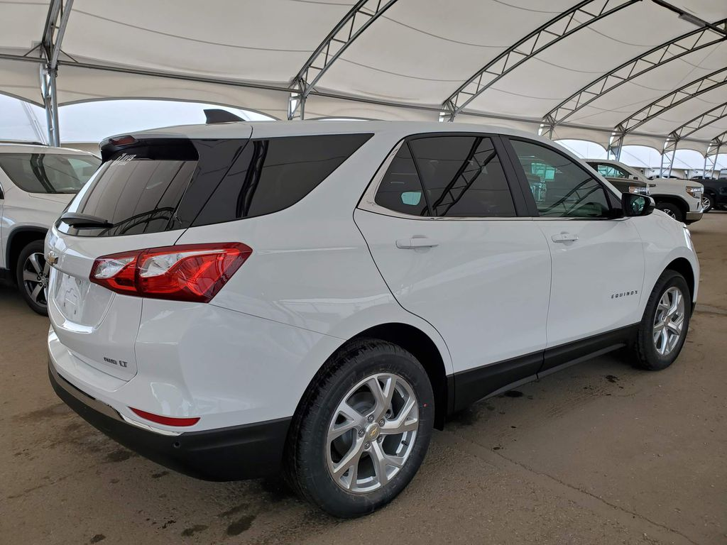 White 2021 Chevrolet Equinox Right Rear Corner Photo in Airdrie AB