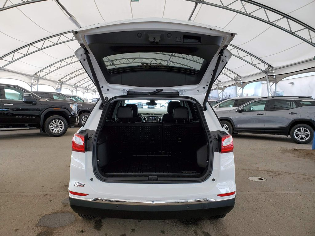 White 2021 Chevrolet Equinox Apple Carplay/Android Auto Photo in Airdrie AB
