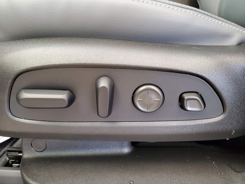 White 2021 Buick Enclave Left Front Interior Photo in Airdrie AB