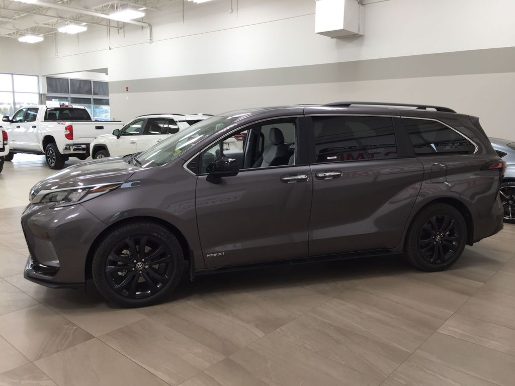 Gray[Predawn Gray Mica] 2021 Toyota Sienna XSE Hybrid FWD Left Side Photo in Sherwood Park AB