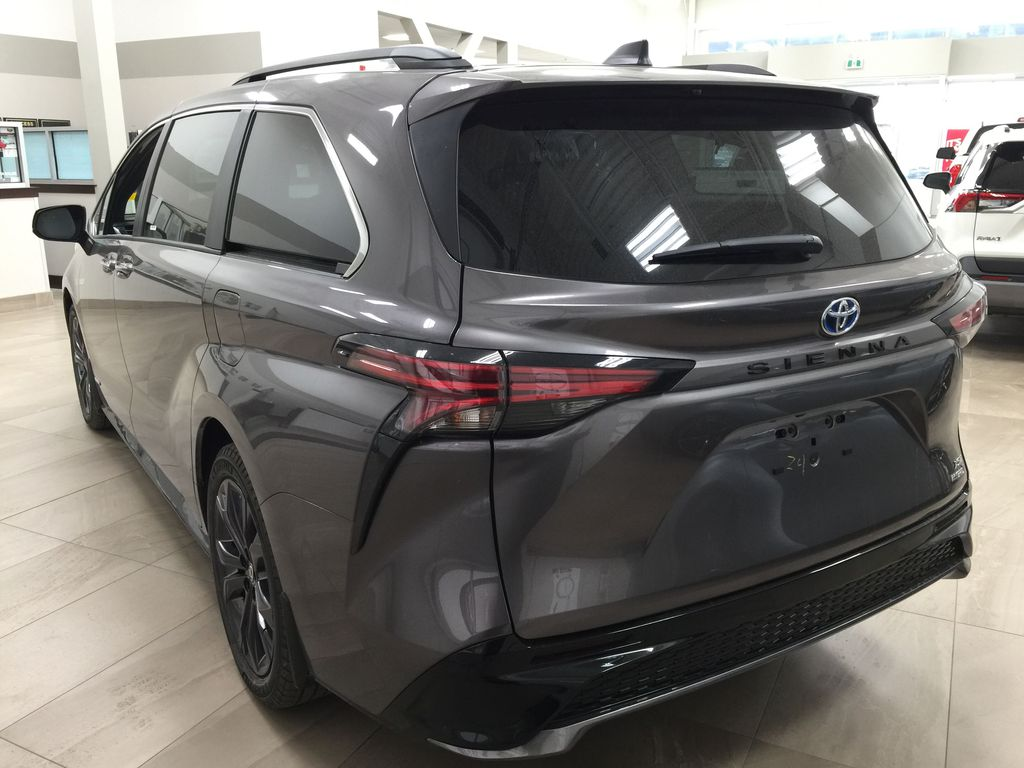 Gray[Predawn Gray Mica] 2021 Toyota Sienna XSE Hybrid FWD Left Rear Corner Photo in Sherwood Park AB