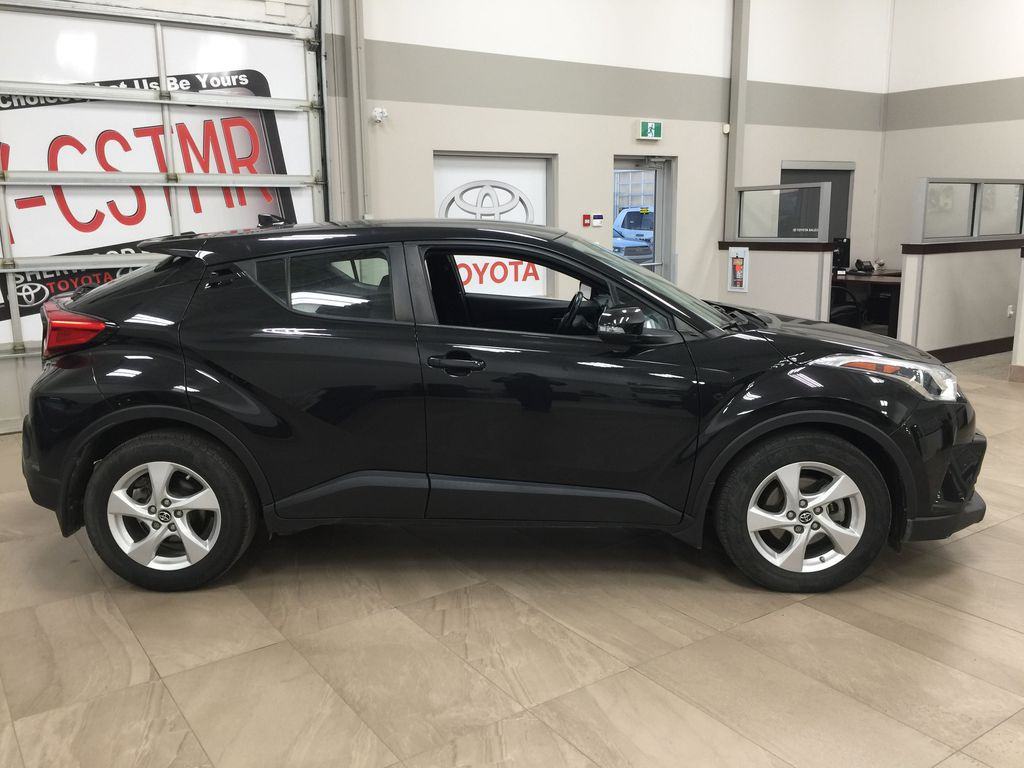 Black[Black Sand Pearl] 2018 Toyota C-HR XLE Right Side Photo in Sherwood Park AB