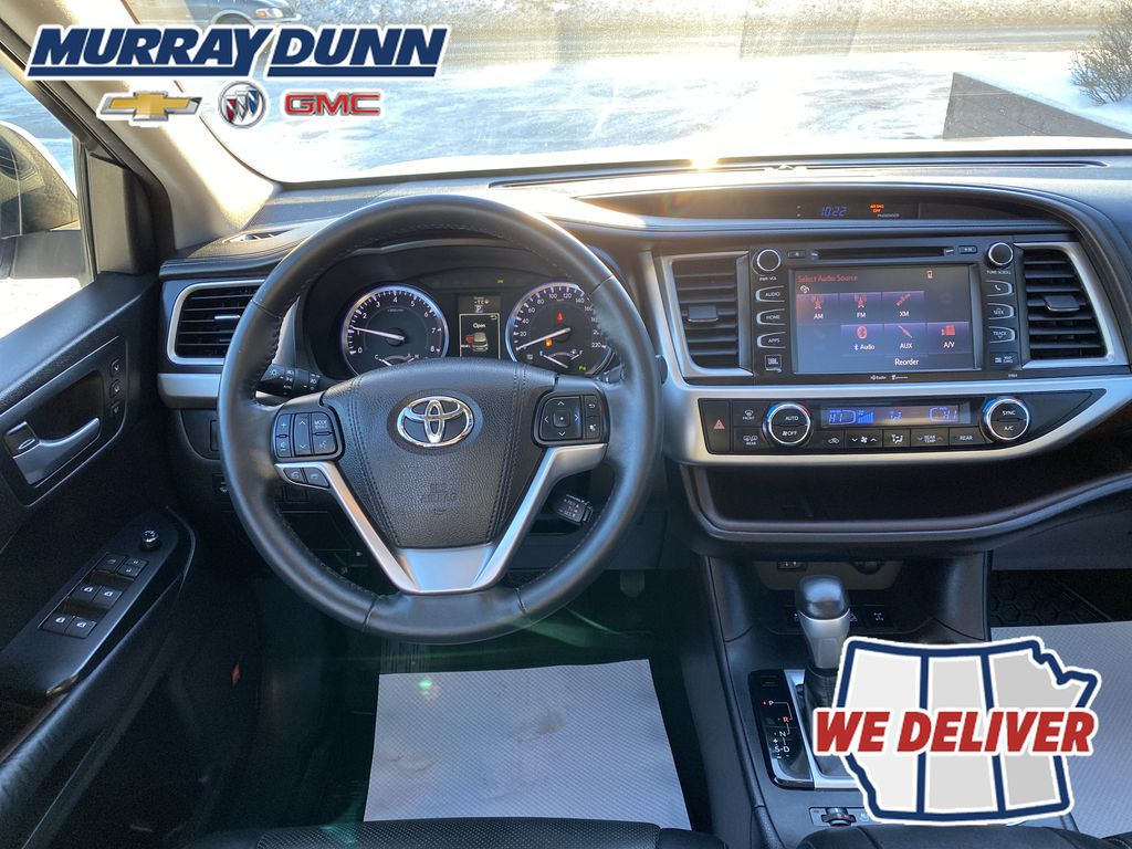 2015 Toyota Highlander Steering Wheel and Dash Photo in Nipawin SK