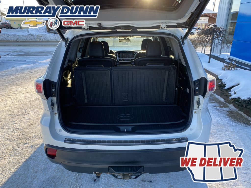2015 Toyota Highlander Trunk / Cargo Area Photo in Nipawin SK