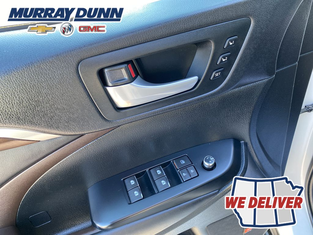 2015 Toyota Highlander  Driver's Side Door Controls Photo in Nipawin SK