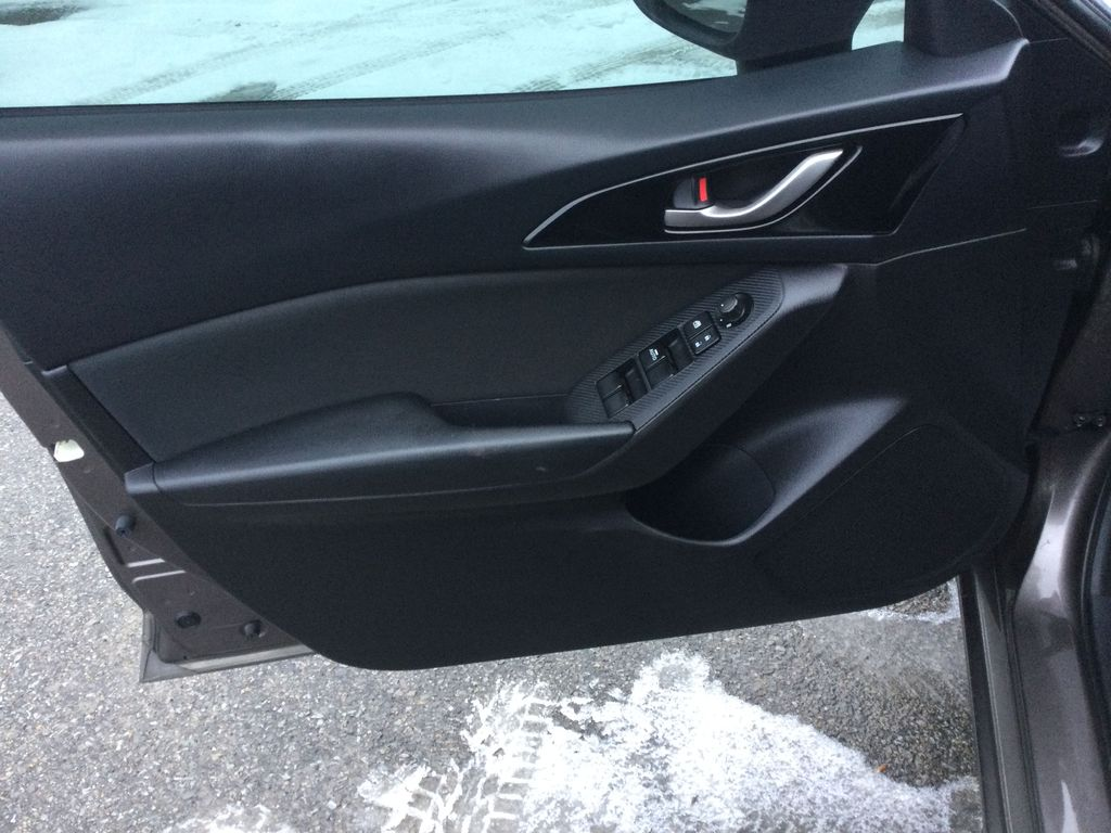 2015 Mazda Mazda3 Left Front Interior Door Panel Photo in Brockville ON