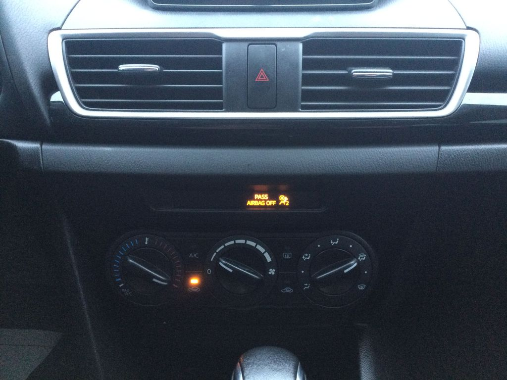 2015 Mazda Mazda3 Central Dash Options Photo in Brockville ON