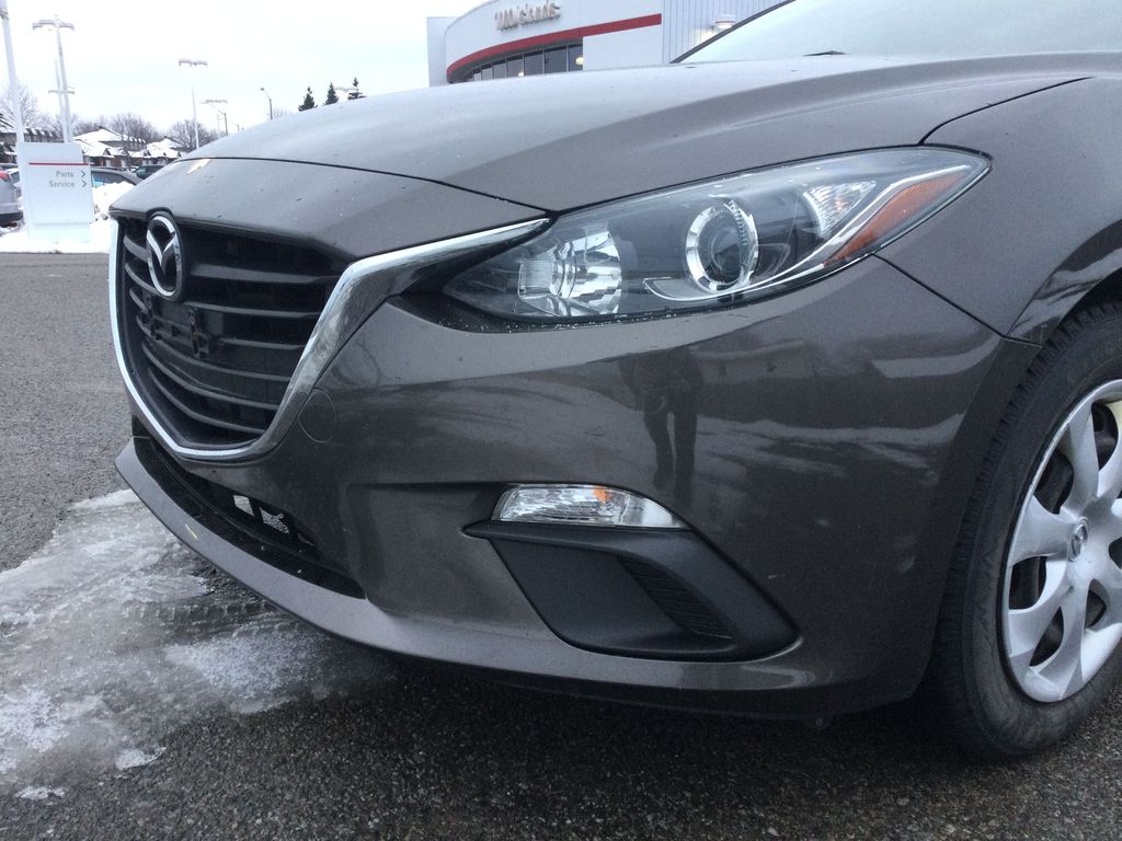 2015 Mazda Mazda3 Left Front Head Light / Bumper and Grill in Brockville ON