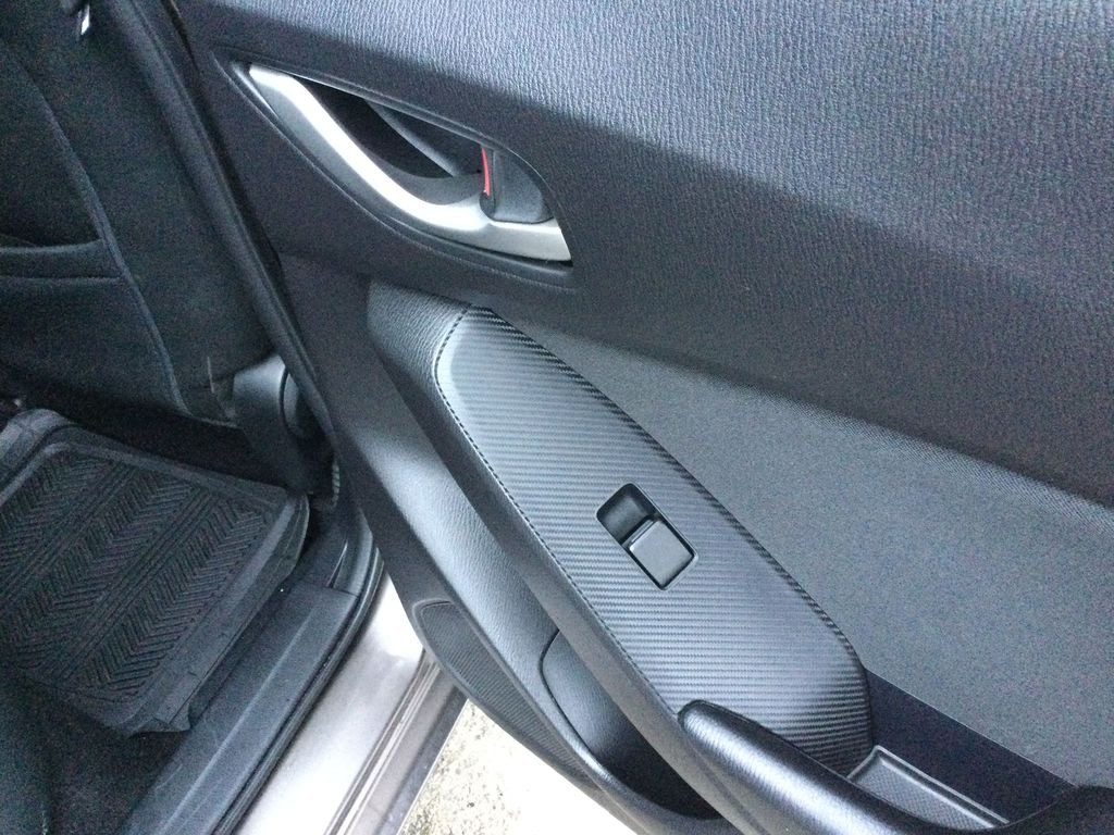 2015 Mazda Mazda3 Passenger Rear Door Controls Photo in Brockville ON