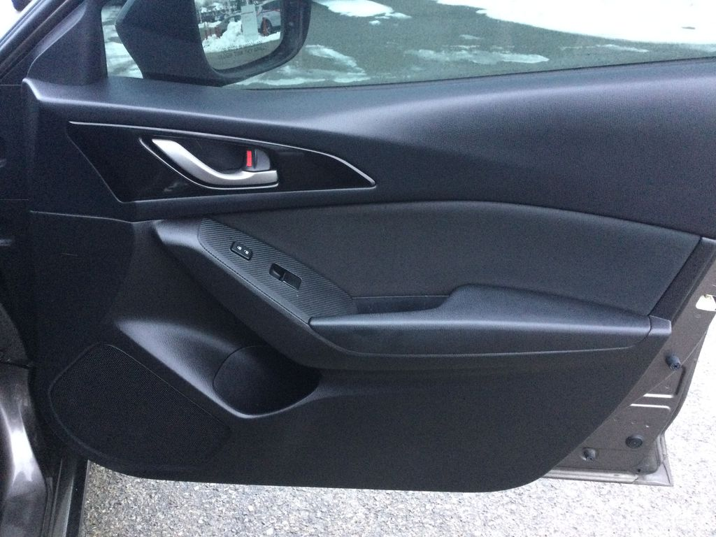 2015 Mazda Mazda3 Right Front Interior Door Panel Photo in Brockville ON