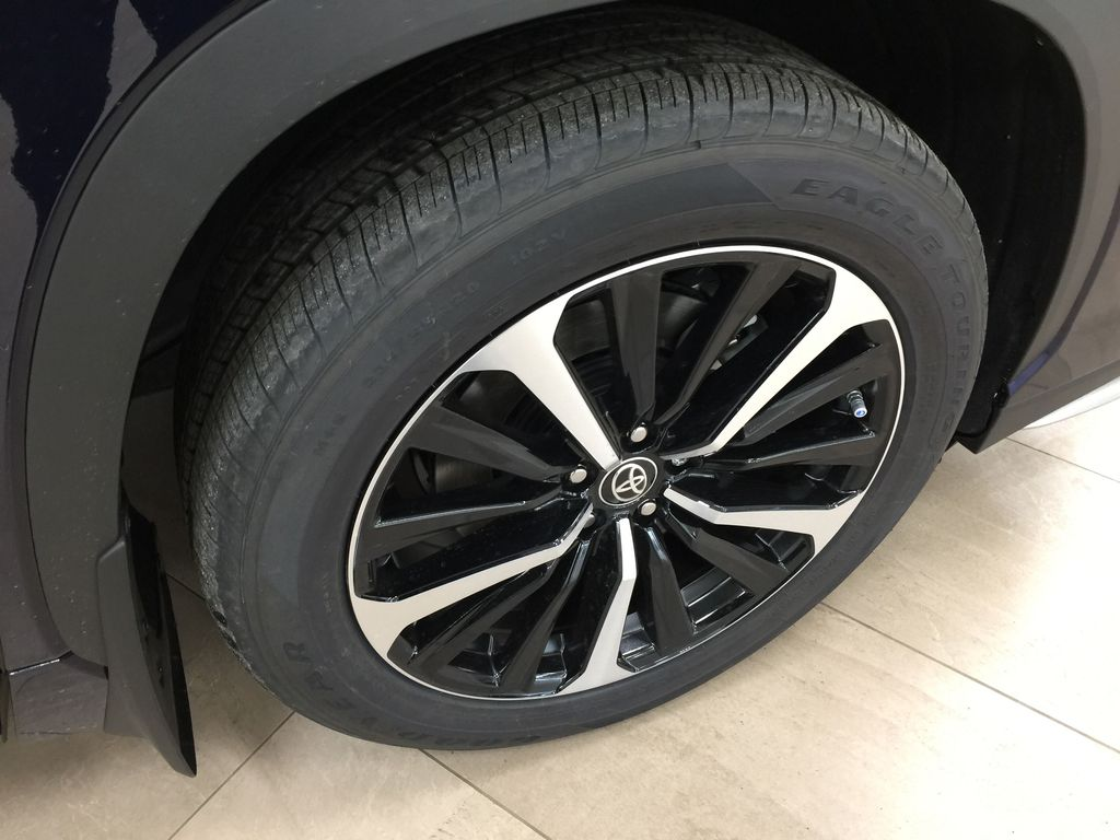 Blue[Blueprint] 2021 Toyota Highlander XSE Right Front Rim and Tire Photo in Sherwood Park AB