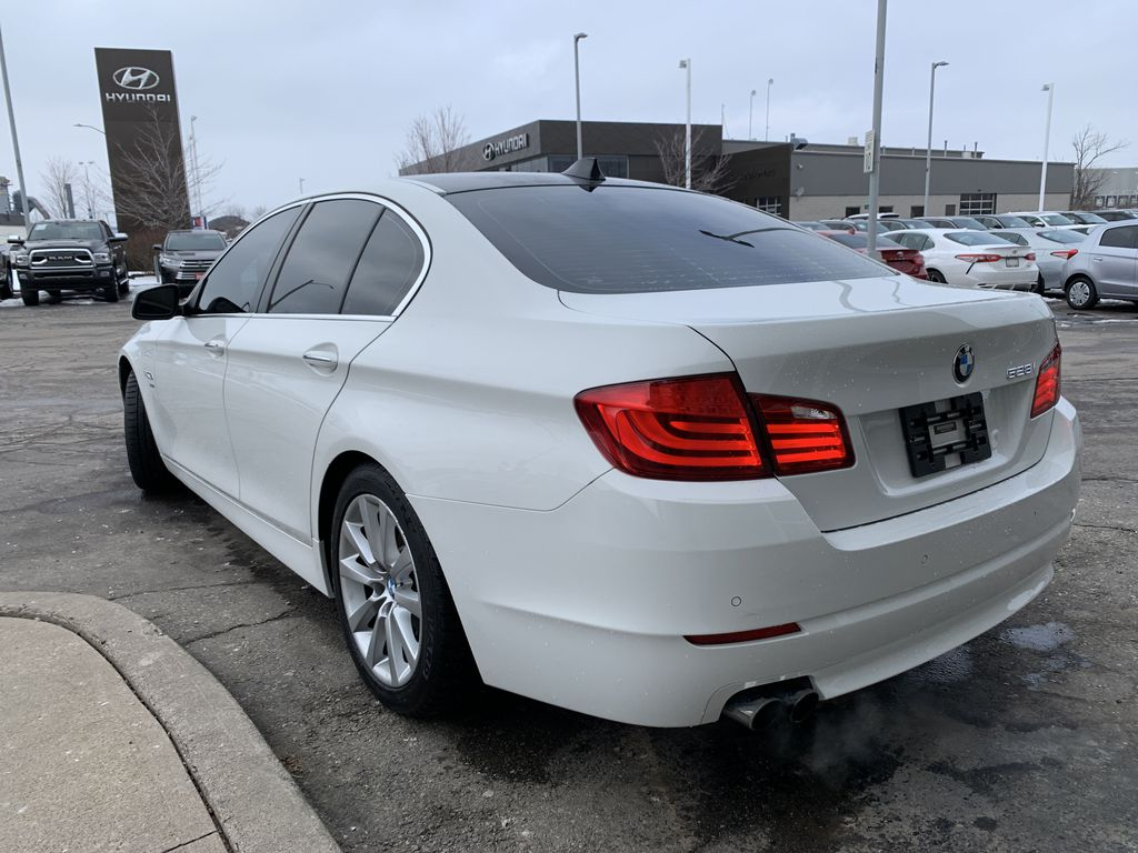 White[Alpine White] 2012 BMW 5 Series Left Front Interior Door Panel Photo in Brampton ON