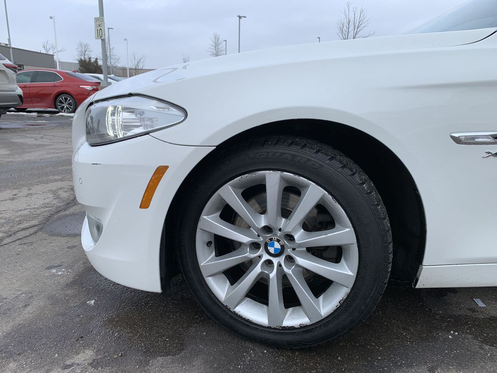 White[Alpine White] 2012 BMW 5 Series Left Front Corner Photo in Brampton ON