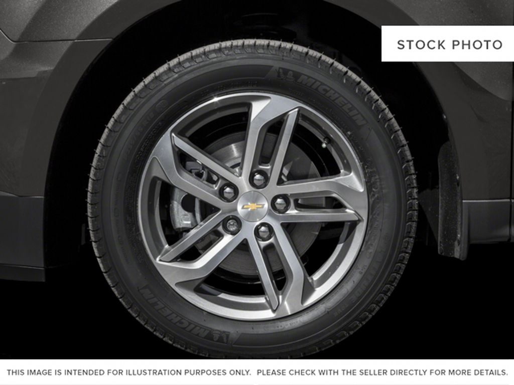 White[Iridescent Pearl Tricoat] 2017 Chevrolet Equinox Left Front Rim and Tire Photo in Fort Macleod AB