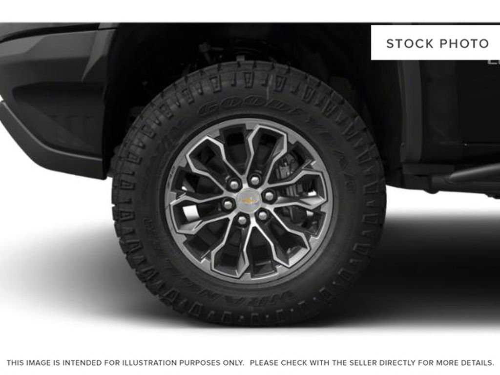 Black[Black] 2019 Chevrolet Colorado Left Front Rim and Tire Photo in Fort Macleod AB