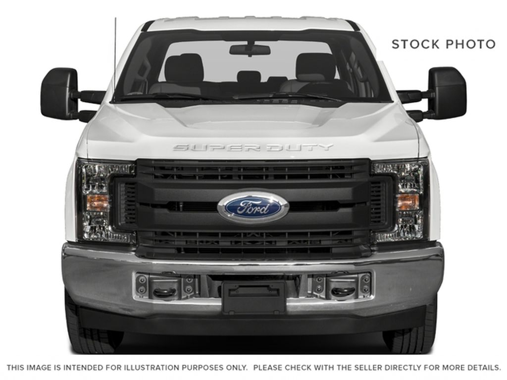 White[Oxford White] 2018 Ford Super Duty F-350 SRW Front Vehicle Photo in Fort Macleod AB