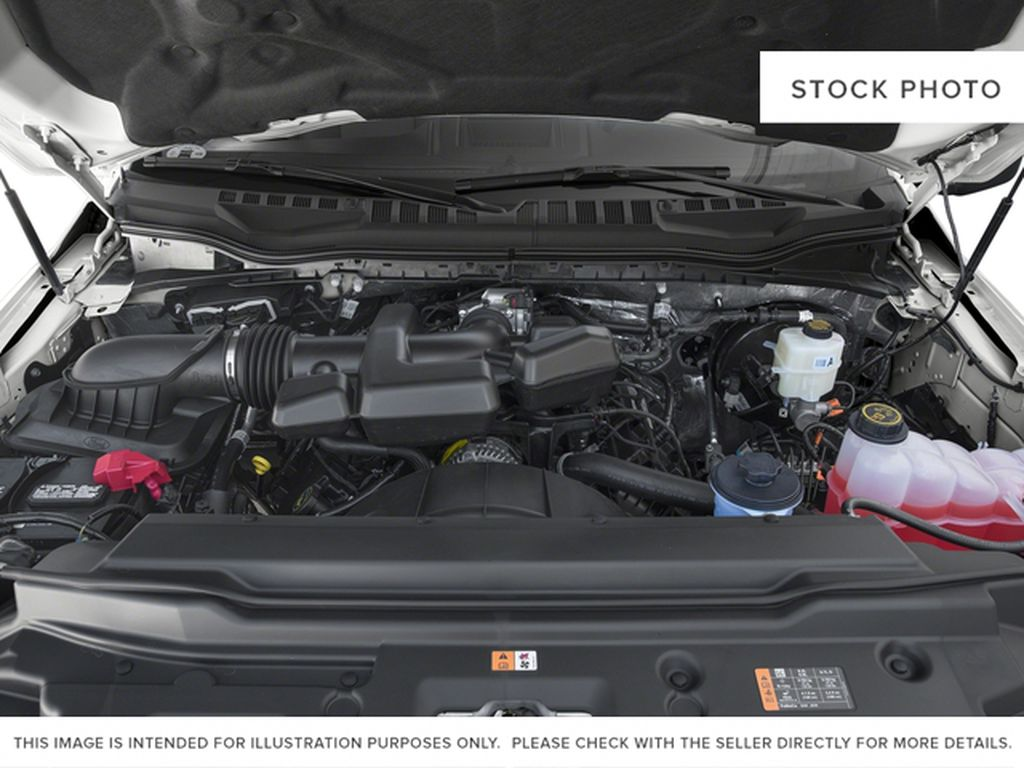 White[Oxford White] 2018 Ford Super Duty F-350 SRW Engine Compartment Photo in Fort Macleod AB