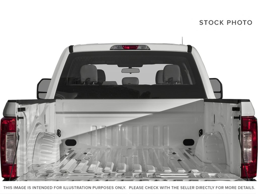 White[Oxford White] 2018 Ford Super Duty F-350 SRW Trunk / Cargo Area Photo in Fort Macleod AB