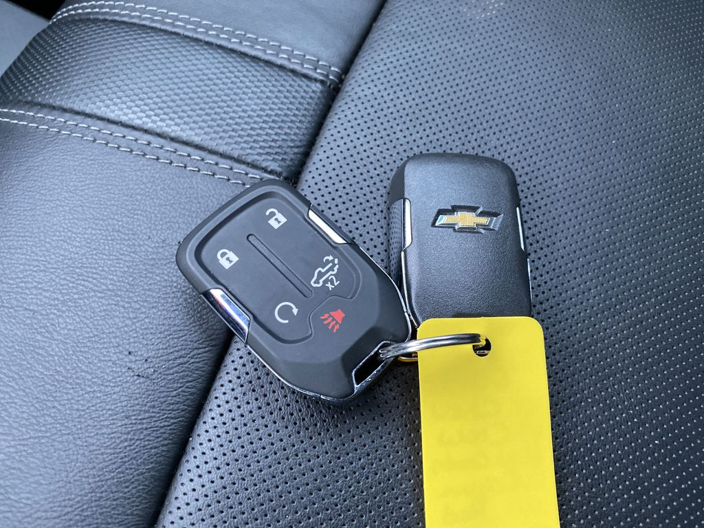 Red[Cajun Red Tintcoat] 2019 Chevrolet Silverado 1500 Key and Fob Photo in Nipawin SK
