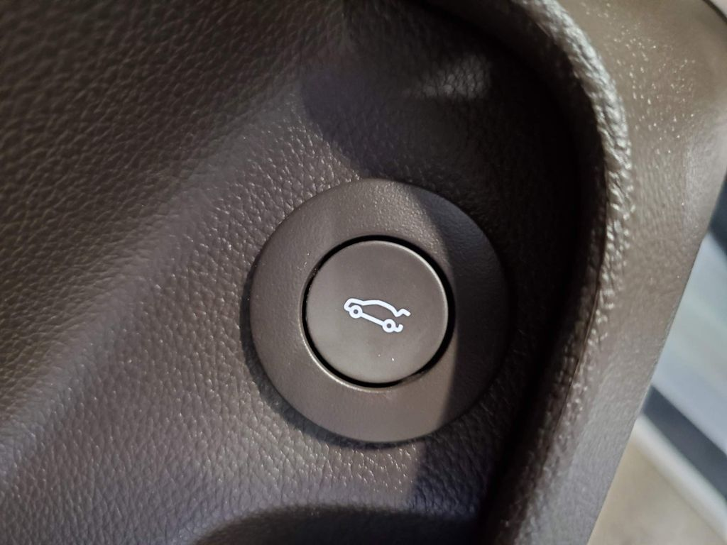 2015 Buick Regal Left Front Interior Photo in Airdrie AB