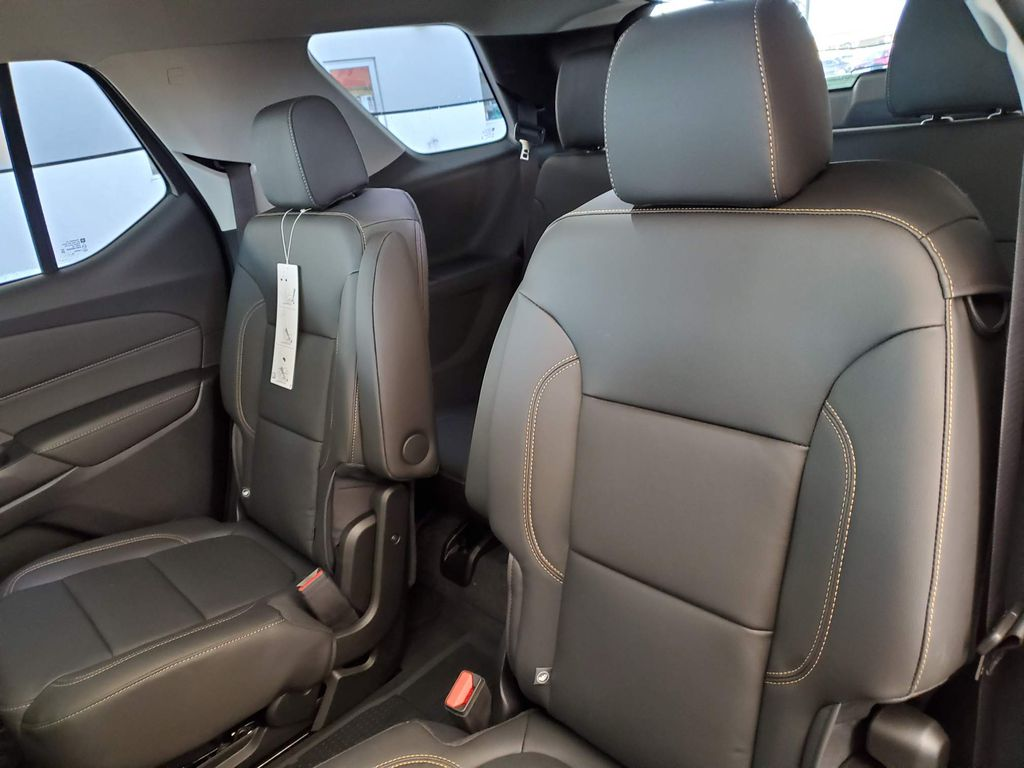 Black 2021 Chevrolet Traverse Strng Wheel/Dash Photo: Frm Rear in Airdrie AB