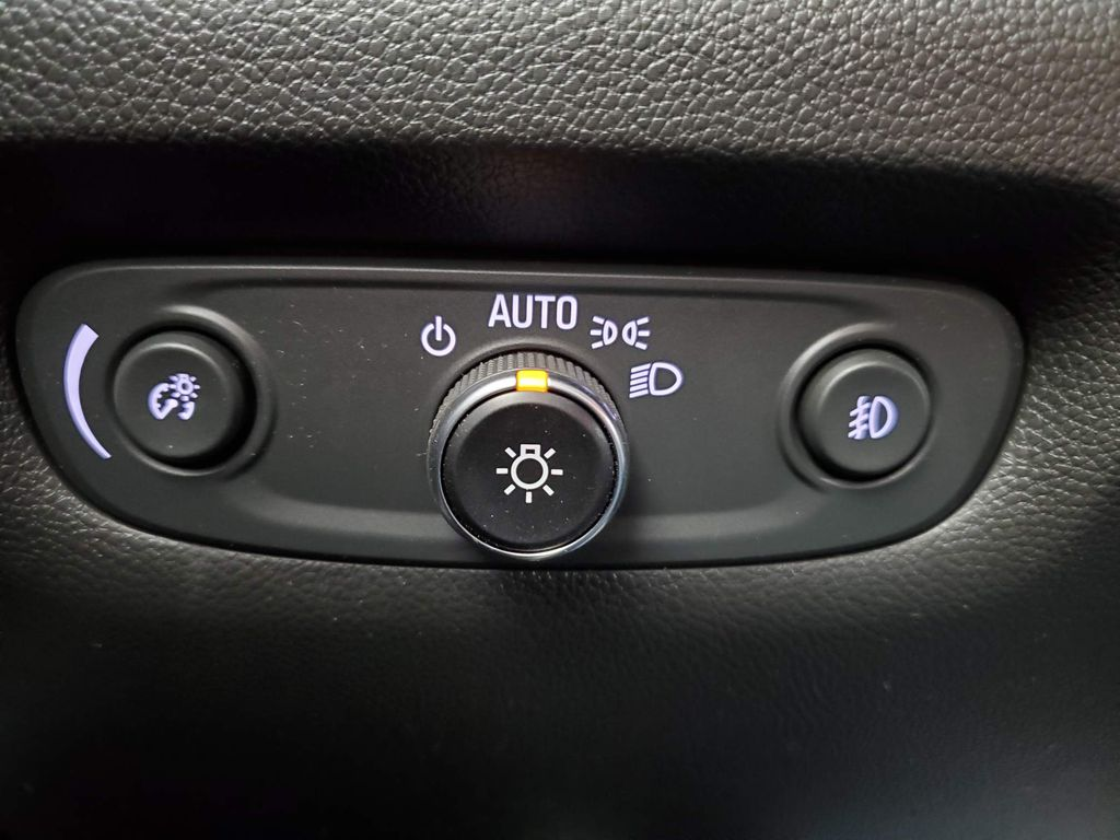 Black 2021 Chevrolet Traverse Front Vehicle Photo in Airdrie AB