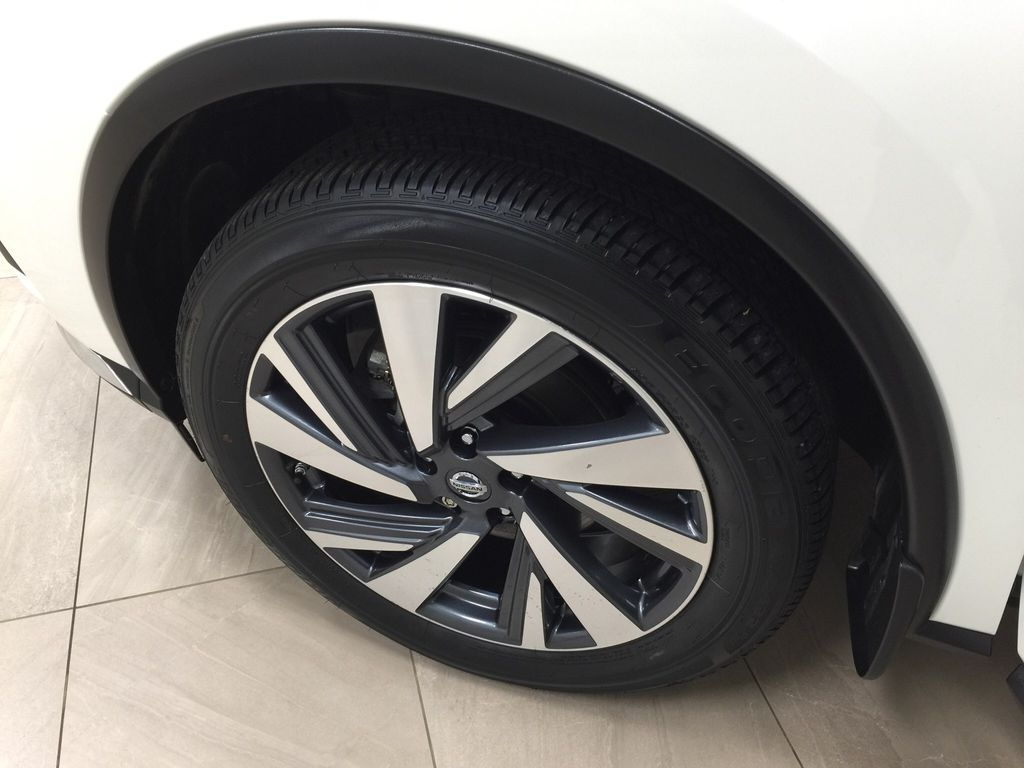 White[Pearl White] 2018 Nissan Murano PLATINUM / NO ACCIDENTS Left Front Rim and Tire Photo in Sherwood Park AB