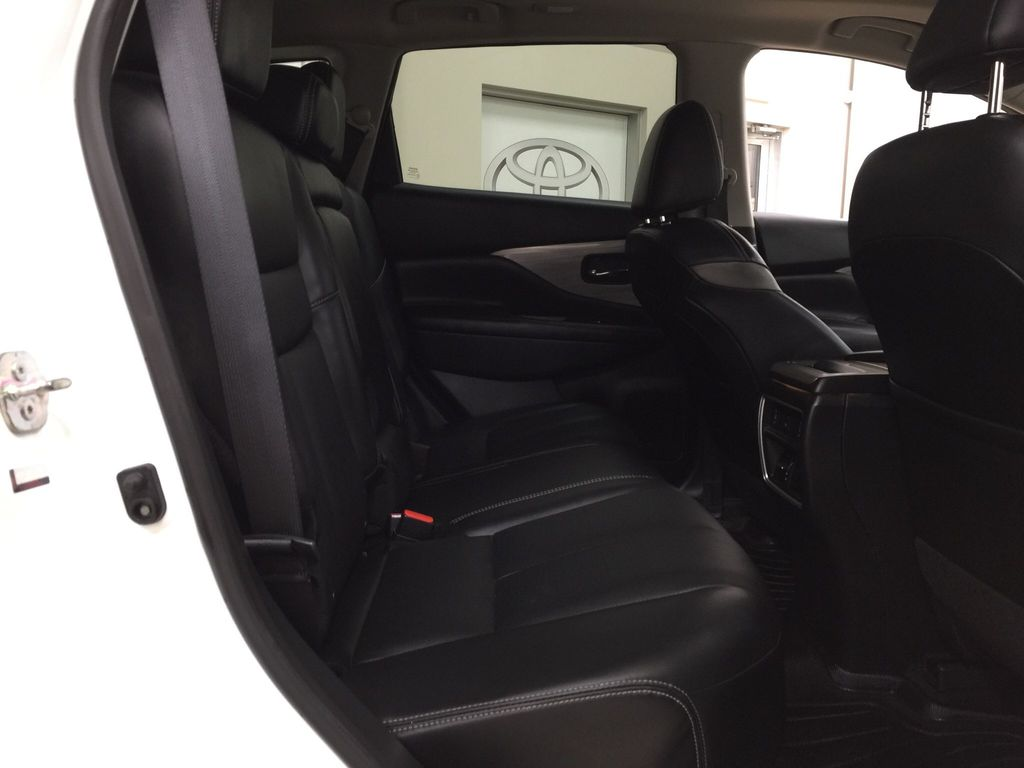 White[Pearl White] 2018 Nissan Murano PLATINUM / NO ACCIDENTS Right Side Rear Seat  Photo in Sherwood Park AB