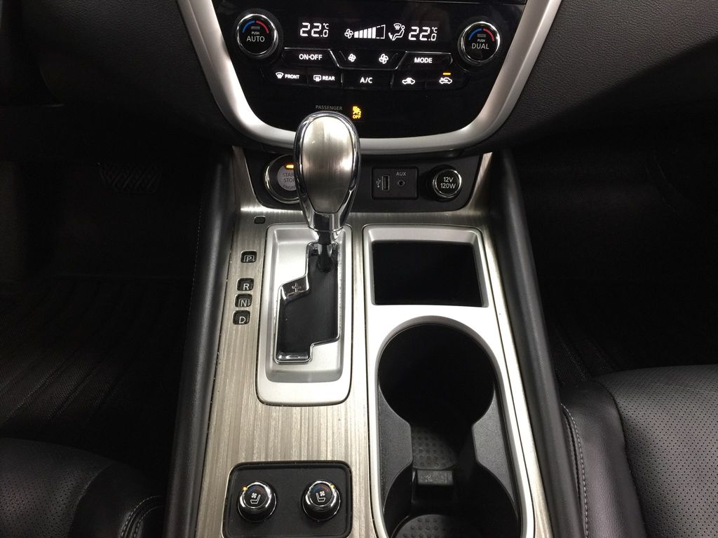 White[Pearl White] 2018 Nissan Murano PLATINUM / NO ACCIDENTS Lower Dash Photo in Sherwood Park AB