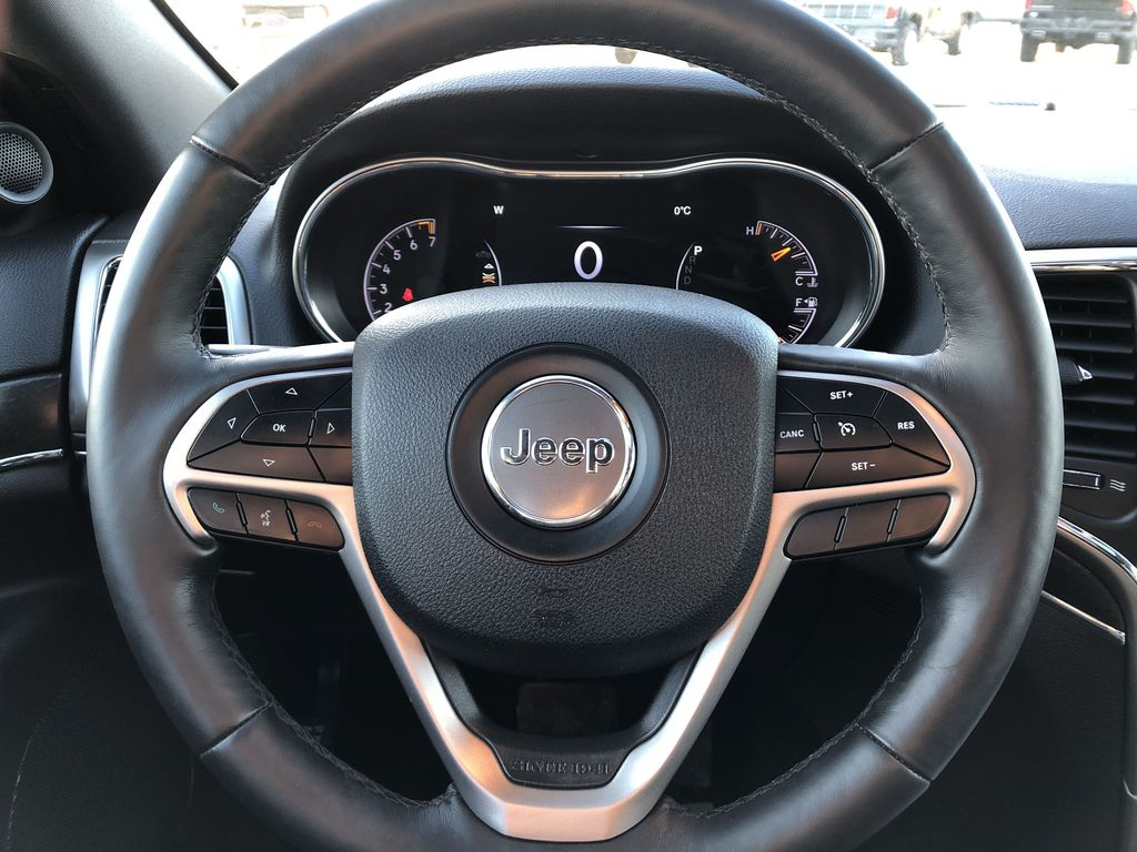 White[Bright White] 2018 Jeep Grand Cherokee Strng Wheel: Frm Rear in Edmonton AB