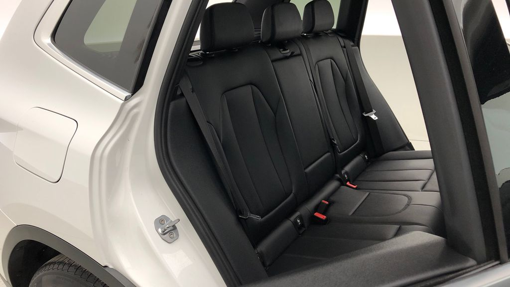 White[Alpine White] 2018 BMW X3 xDrive30i - Leather, Panoramic Roof, Navigation Right Side Rear Seat  Photo in Winnipeg MB